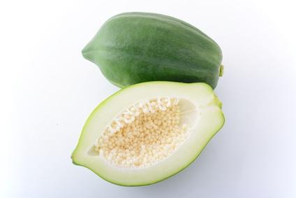 沖縄産の青果パパイヤ