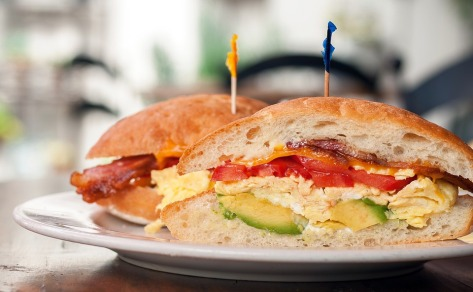 Egg-avocado-sandwhich