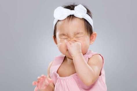 baby-sneezing